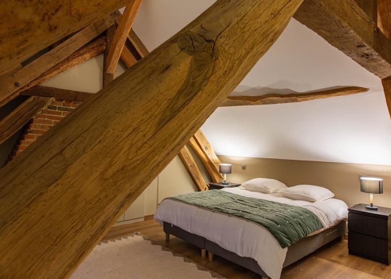 Grande chambre double à l'étage