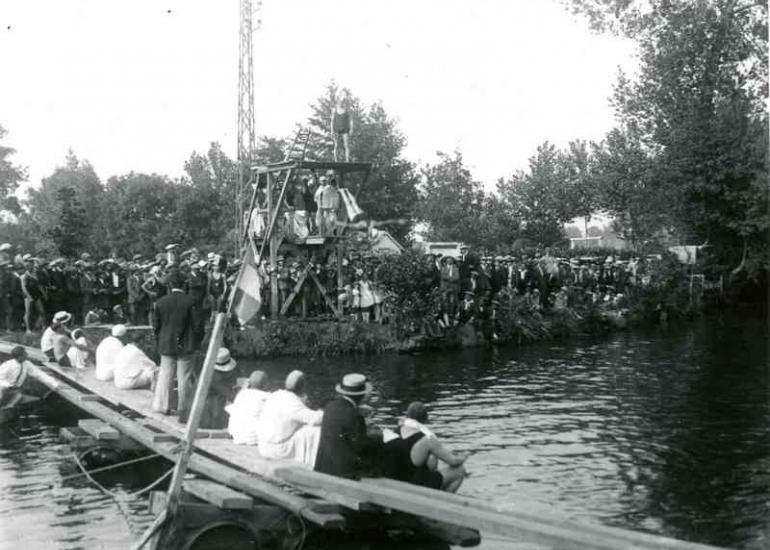 Baignade-1928-Vendome-