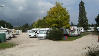 Aire de stationnement et de services pour camping-cars – La Ferté-Beauharnais
