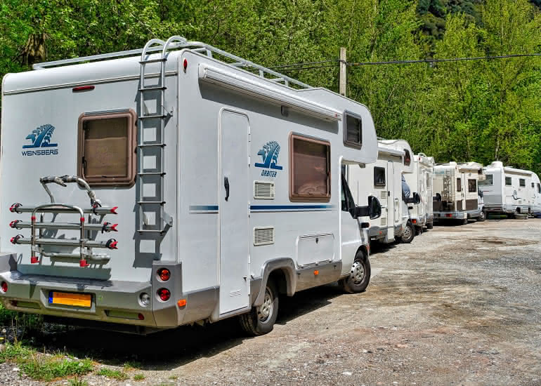 camping-car-aire de services stationnement