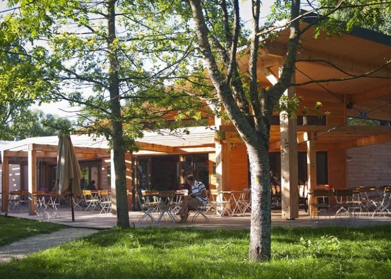Camping Huttopia Les Châteaux - Centre de vie