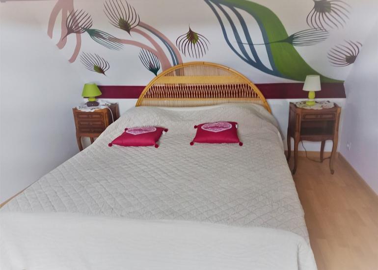 Chambre lit 160 decor vegetal L'Ecureuil