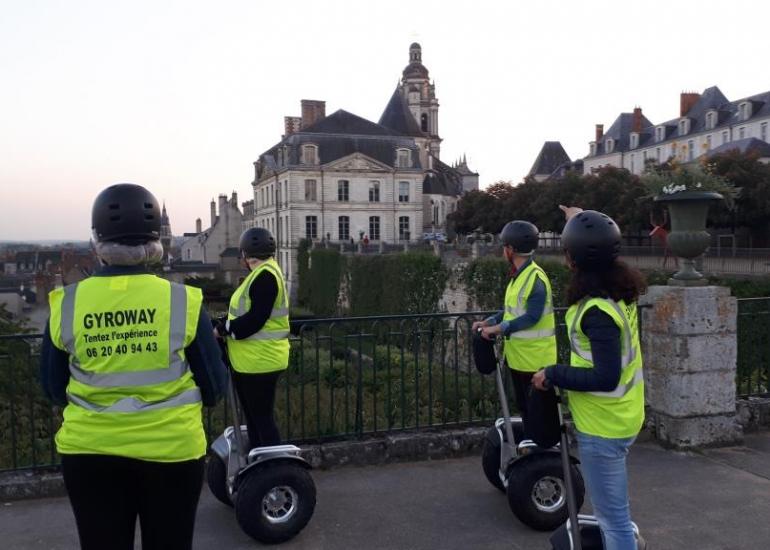 chasse-tresor-orientation-citadine-visite-ville-blois-segway-gyropode