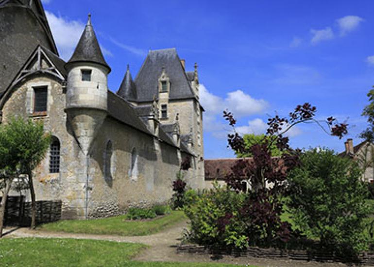 Chateau-de-Fougeres-sur-bievre©Gilles-Codina-CMN (5)