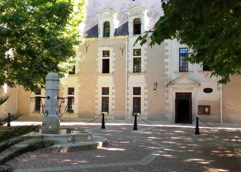 Chateau-de-la-Menaudiere©Chateau-de-la-Menaudiere