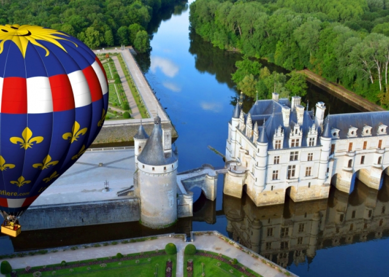 Chenonceaux-1---Loire-et-Montgolfiere-large