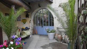 Côte Sud – chambres d'hôtes village troglodyte