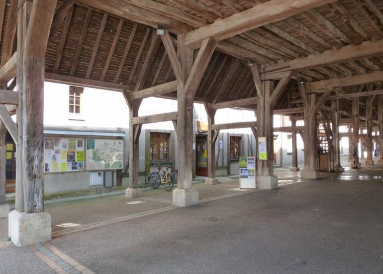 Devant OT-Halle