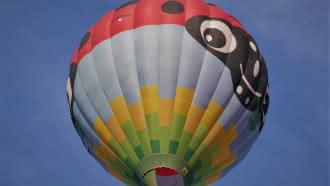 Compagnons du Vent, le voyage en montgolfière – Départ de Lavardin