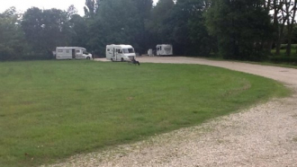 Aire de stationnement et/ou de services pour camping-cars – Route de Beaugency