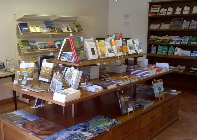Germigny_boutique_livres