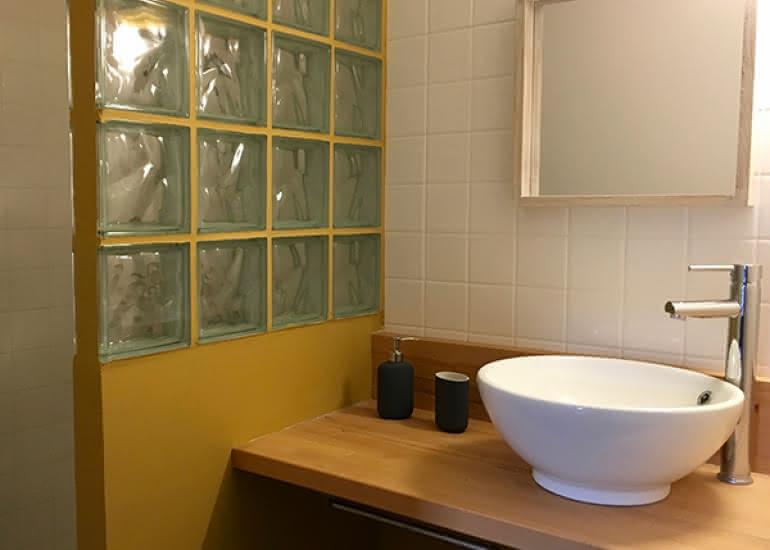 la maison saint aignan - gite - la salle de bain