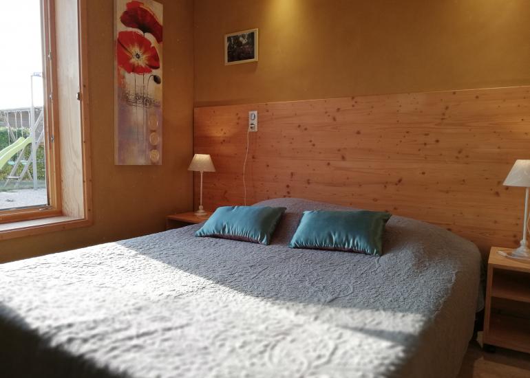 Harmonies-Gite-bioclimatique-dans-la-chambre-3-personnes-5