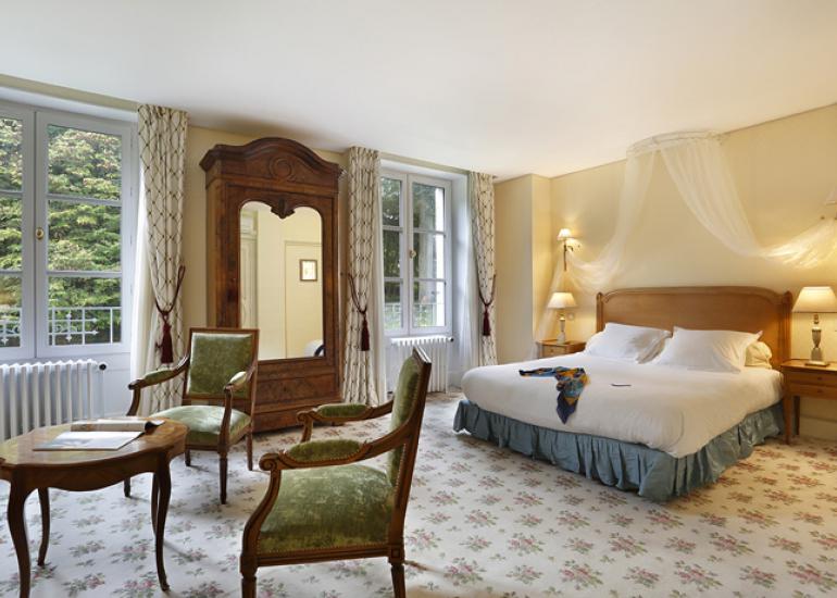 Hotel-chateau-de-la-rozelle-chambre-prestige-cellettes©Chateau-de-la-Rozelle_33_02