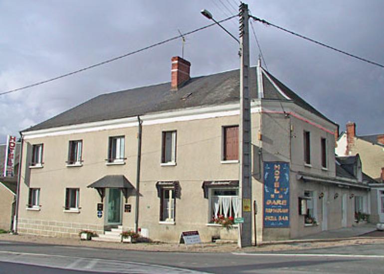 Hotel-de-la-Gare-Noyers-sur-Cher