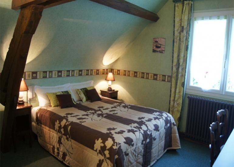 hotel-la-Sauldraie-Chambre-verte-salbris©Hotel-La-Sauldraie