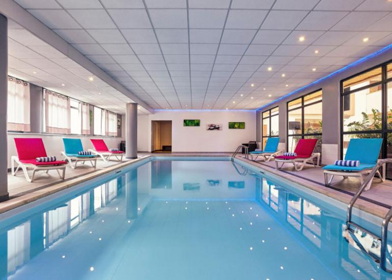 Hotel-mercure-piscine-blois©Hotel-Mercure-Blois-Centre