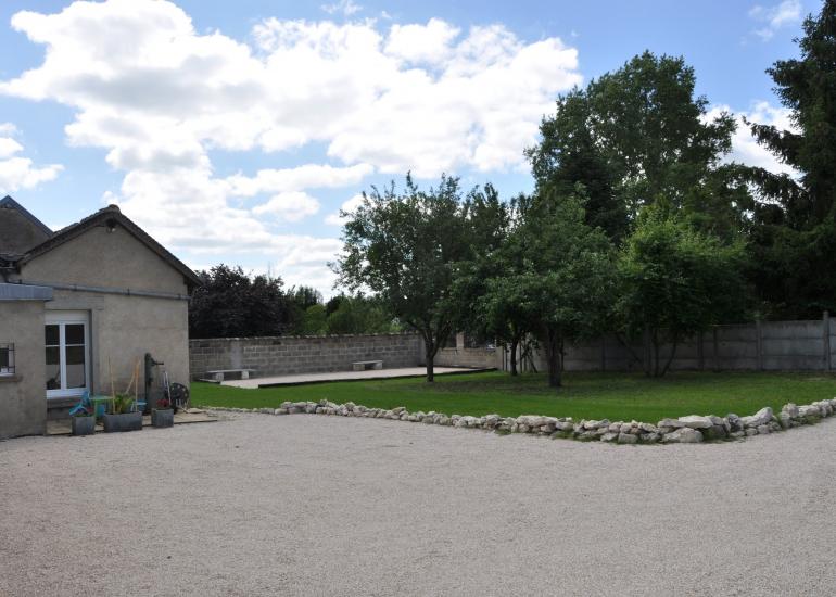 Jardin et terrain de pétanque