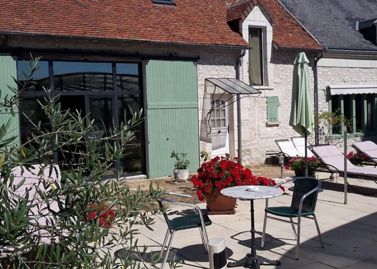Ferme-de-couffy terrasse exterieure