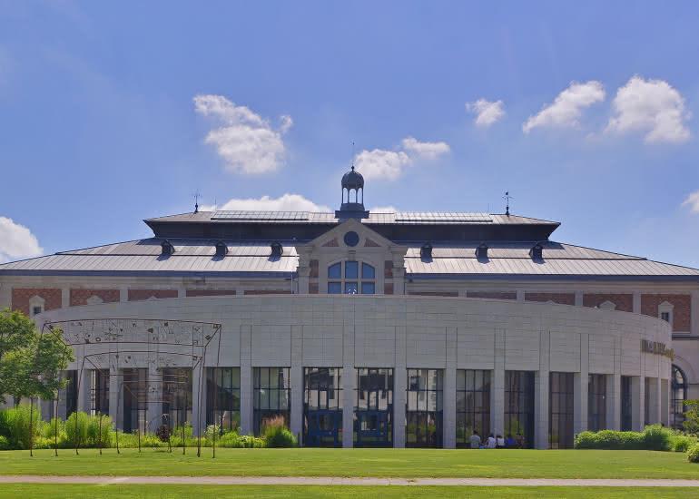 La Halle aux Grains côté Jardin et hémicycle_crédit Leonard de Serres30