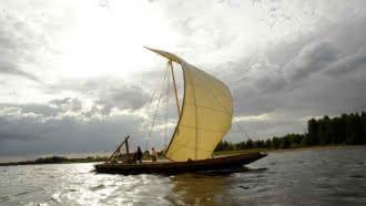 Balade en bateau traditionnel sur la Loire avec les Marins du Port de Chambord