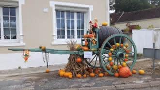 Le hameau de Rochambeau aux couleurs de l'automne