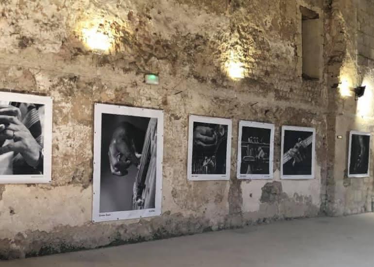 Mur Eglise bâches de Sophie Le Roux