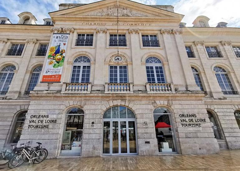 office-de-tourisme-place-du-martroi-orleans
