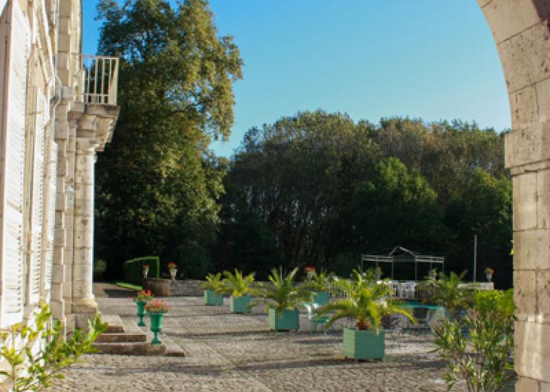 Parc-et-Jardins-du-Chateau-de-St-Denis-Sur-Loire--1-
