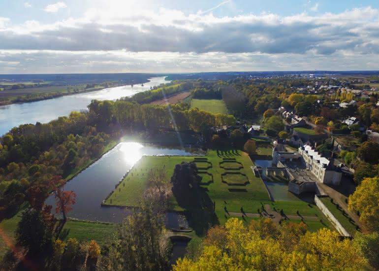 Parc-et-Jardins-du-Chateau-de-St-Denis-Sur-Loire--3-