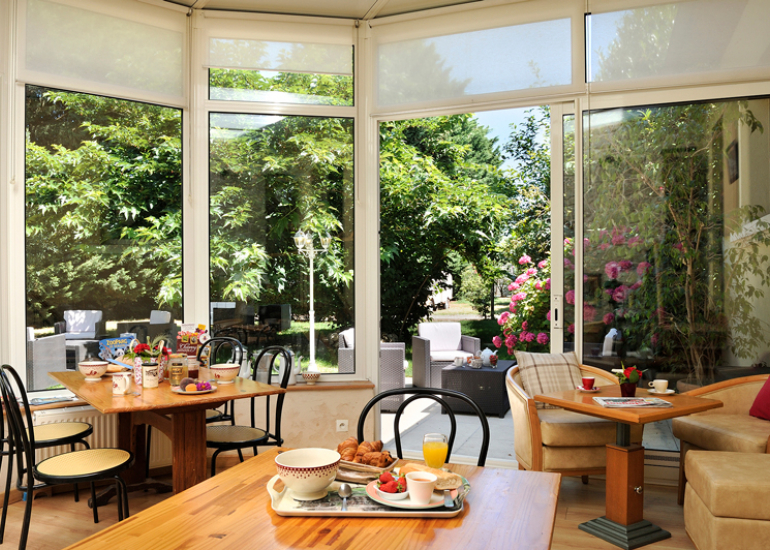Restaurant-Le-Vieux-Fusil-Veranda-Petit-Dejeuner-Soings-en-Sologne