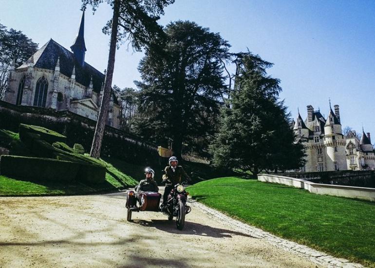 Retro-tour-Chateaux-de-la-Loire-CreditRetro-tour--5-