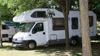Aire communale de services camping-cars – Mennetou-sur-Cher