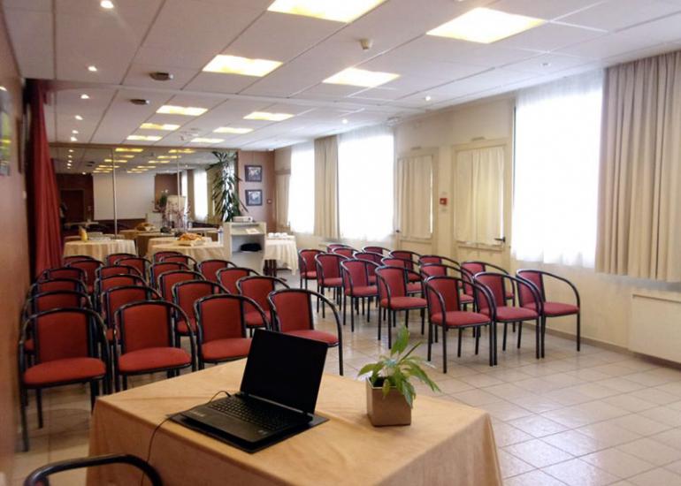 sologne-seminaire-hotel-pyramide-romorantin-2