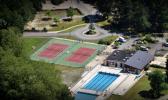 piscine intercommunale située devant le camping (accès payant)